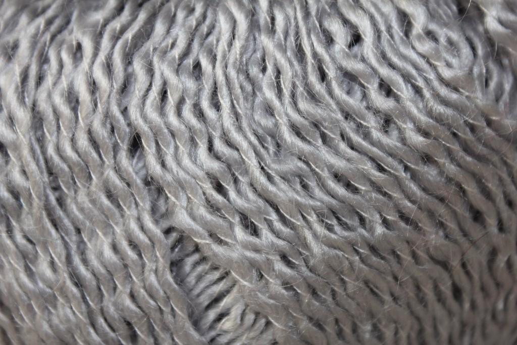 câline gris perle